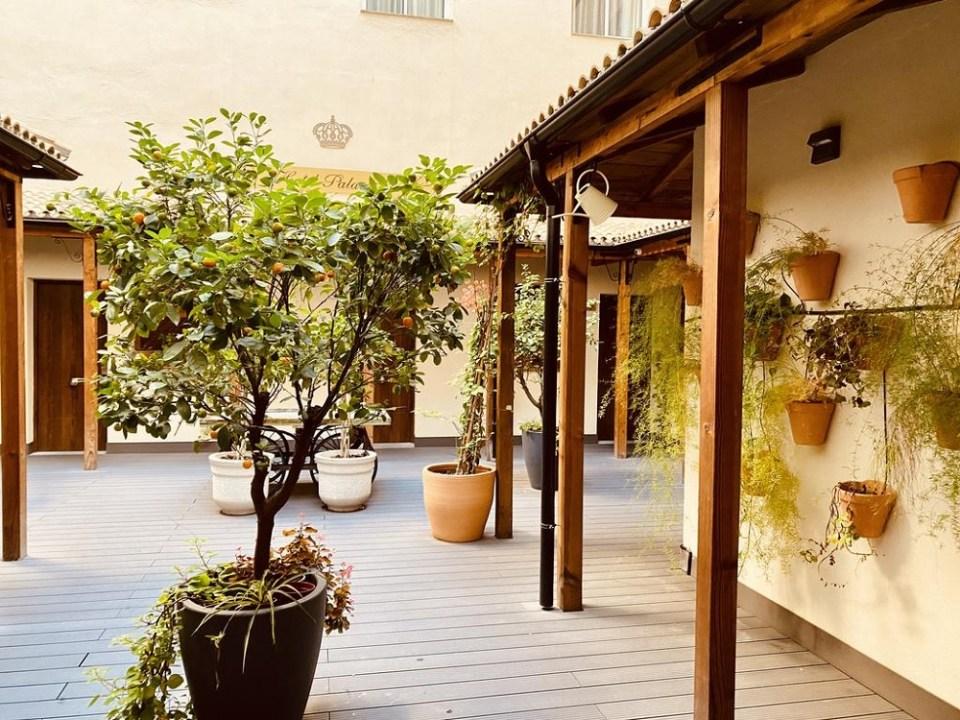 El Palace también entra dentro de la lista de los hoteles baratos en Sevilla