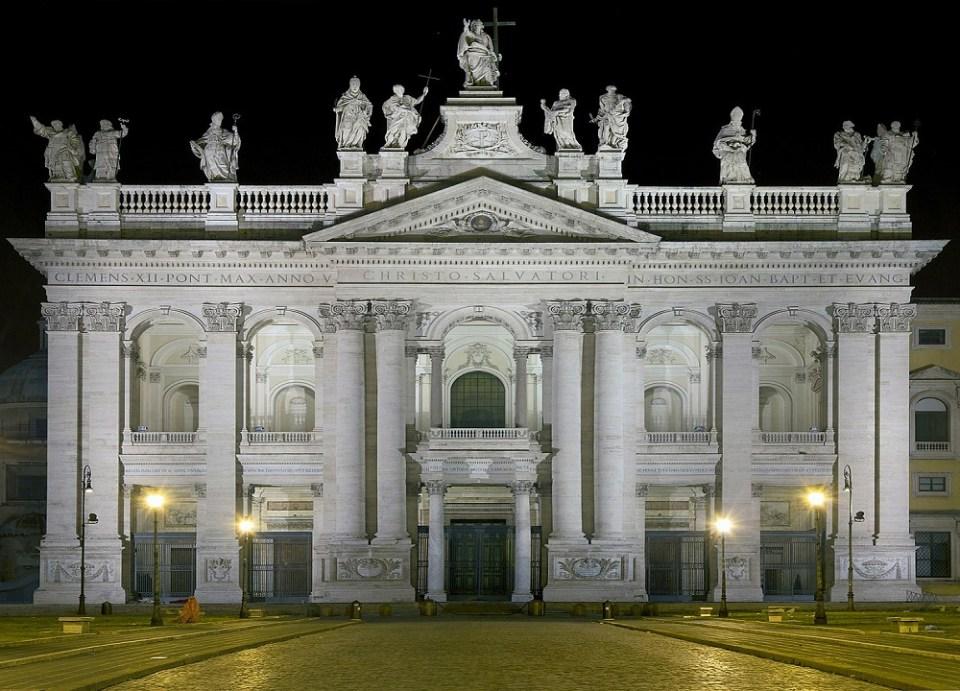 La basílica de San Juan de Letrán es uno de los monumentos de Roma más bonitos