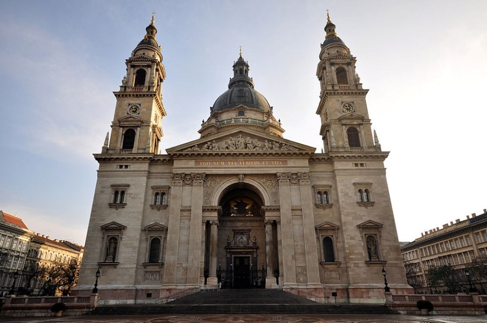 En la Iglesia de San ESteban se encuentra la reliquia más importante de Hungría