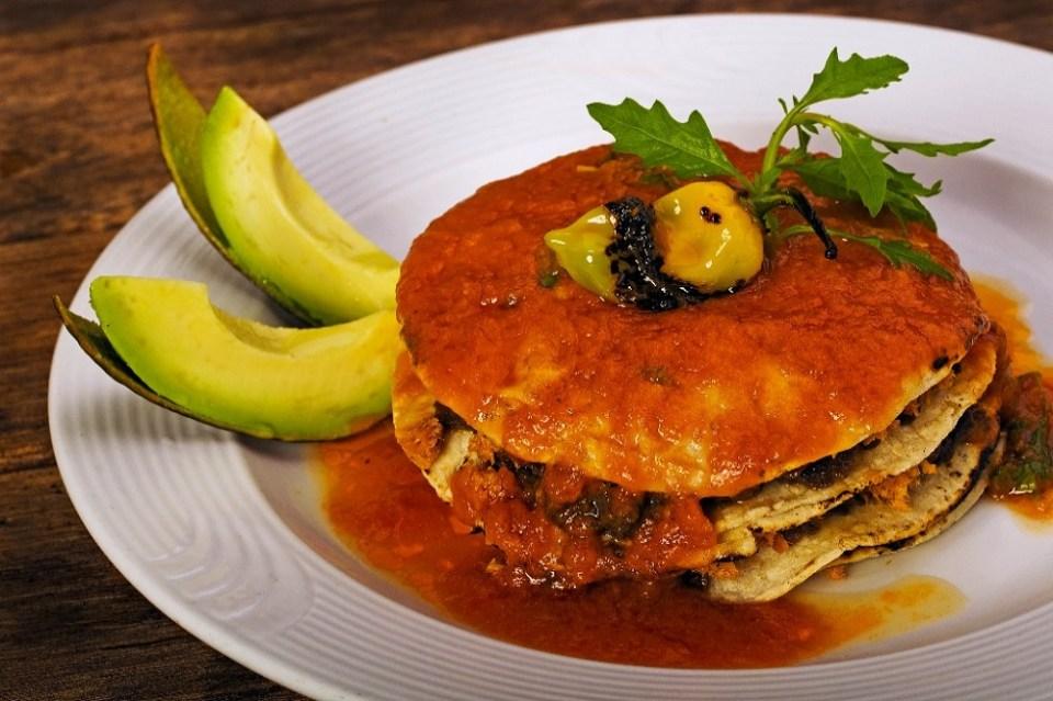 El pan de cazón es uno de los platillos de la comida típica mexicana característico de Campeche