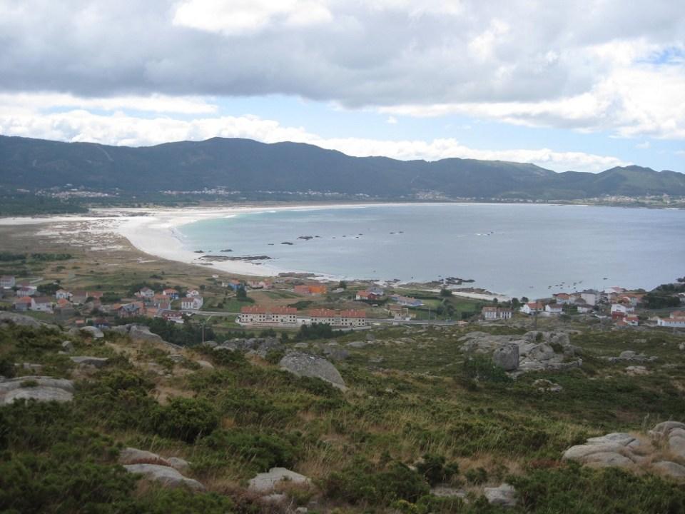 Carnota, en Coruña, recibe muchos bañistas y es la playa más larga de Galicia
