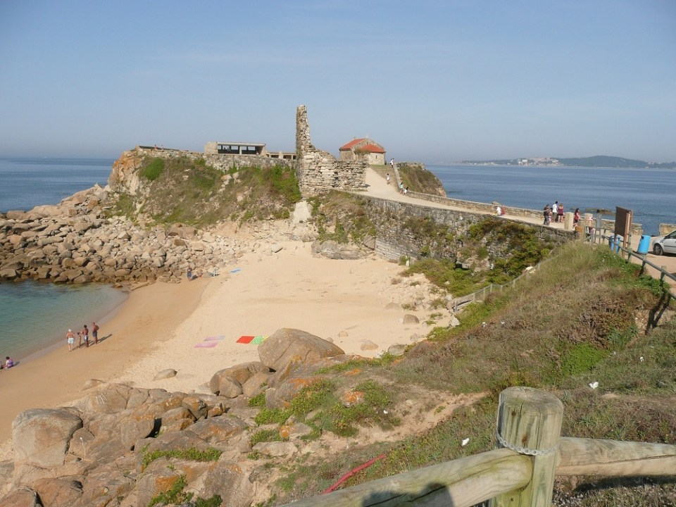 La playa de la Lanzada es una de las mejores playas de Galicia que puedes visitar