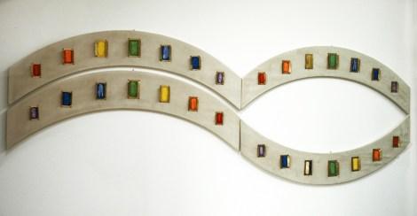 arch.n. 787 Colori 2 quattro elementi in legno curvo rivestito di alcantara + bronzo e mosaico di perline, cm 133x21 ca - anno 2005