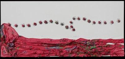 Arch. n. 1.695 Il volo dei buoni frutti tessuto, resina, filo di ferro zincato su tavola smaltata, cm 50x110 – 2019 euro 450