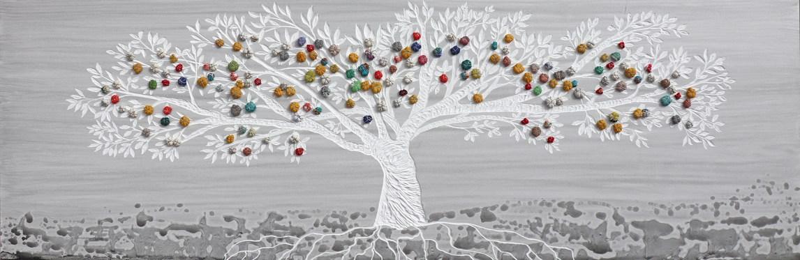 """I buoni frutti Archivio n. 1863 – cm 55x173- anno 2020 smalto e incisione su PVC da riciclo +""""frutti"""" creati con vestiti usati compattati con filo di acciaio inox e resina. Avvitati dal retro. L'opera è archiviata ed è completa di attaccaglia. € 550"""