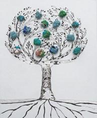 """La foresta nel mare: Archivio n. 1875 /5 – cm 23x18,5- 2020 - incisione su alluminio + """"frutti"""" sono creati con vestiti usati compattati con filo di acciaio inox e resina. Avvitati dal retro. € 40"""