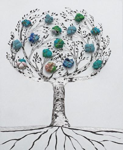 """La foresta nel mare: Archivio n. 1875 /5 – cm 23x18,5- 2020 - incisione su alluminio + """"frutti"""" sono creati con vestiti usati compattati con filo di acciaio inox e resina. Avvitati dal retro. concept: il nostro vissuto è memoria, quindi ricchezza da trasmettere per un futuro migliore."""