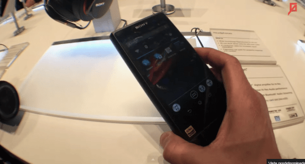 SONY Walkman ZX2 desde el CES 2015   YouTube
