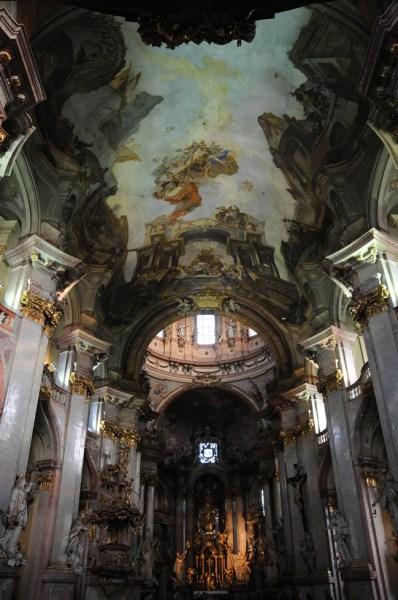 A Igreja de São Nicolau, uma das favoritas de Mozart em Praga.