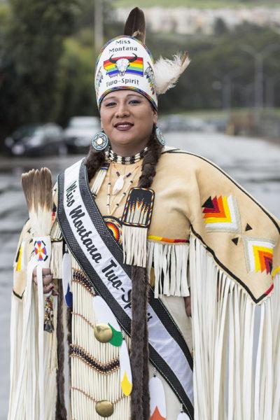 No estado de Montana há até concurso de beleza para homens e mulheres dois espíritos.