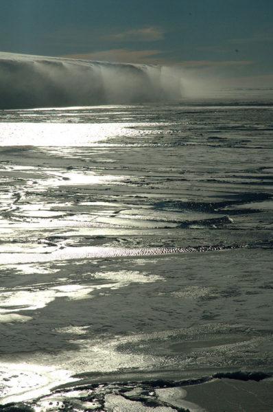 As vastidões geladas do Território Nunavut, onde vivem os esquimós canadenses.