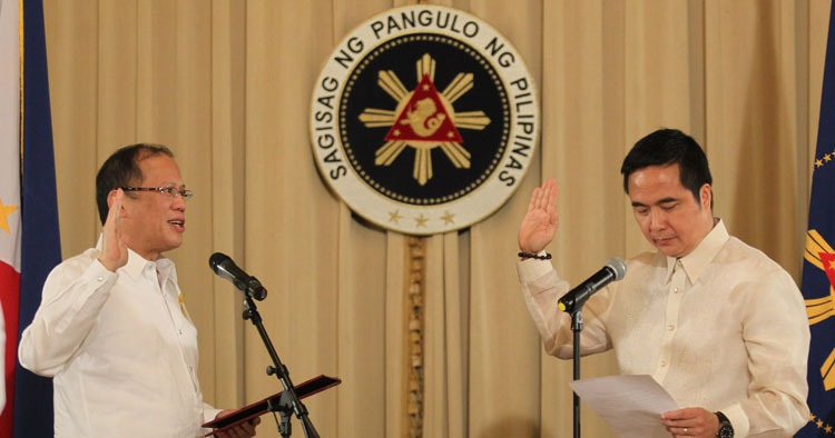 Abaya takes oath as DOTC chief