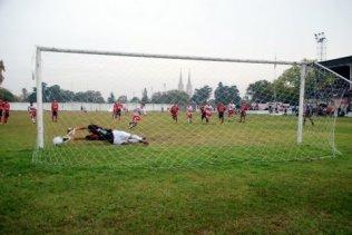 Fredes de penal marcó el gol del partido