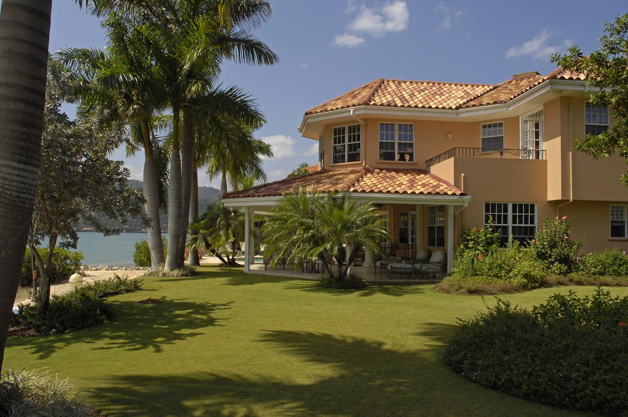 Calypso Shores On The Beach The Lagoons Luxury Villas
