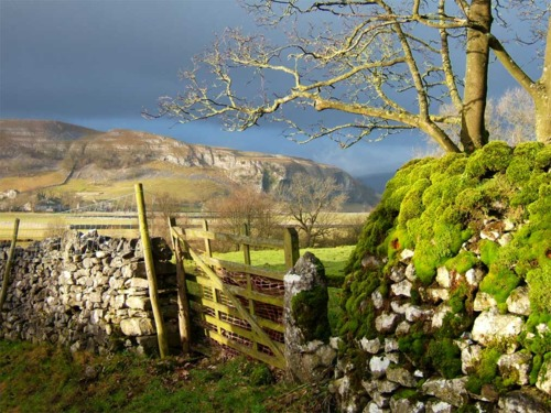 Kilnsey Crag, Yorkshire, Great Britain