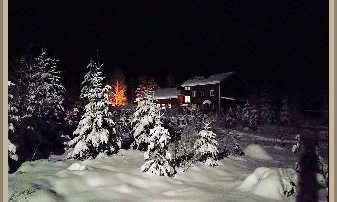 Virtalan koulu talvisessa maisemassa