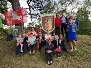 Patys patriotiškiausi lukoniečiai, kurie susirinko paminėti 2018 liepos 6d ant Stirniškių piliakalnio