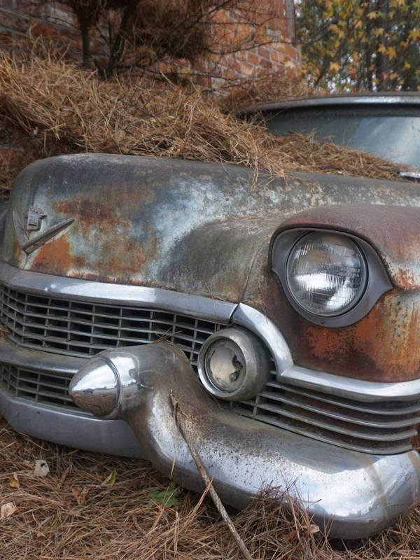 Nature, Art, History, Cars – The Old Car City