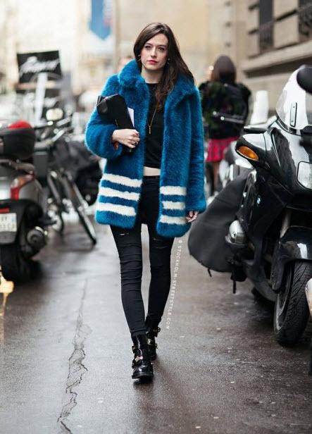 haina de blana albastra cu dungi albe