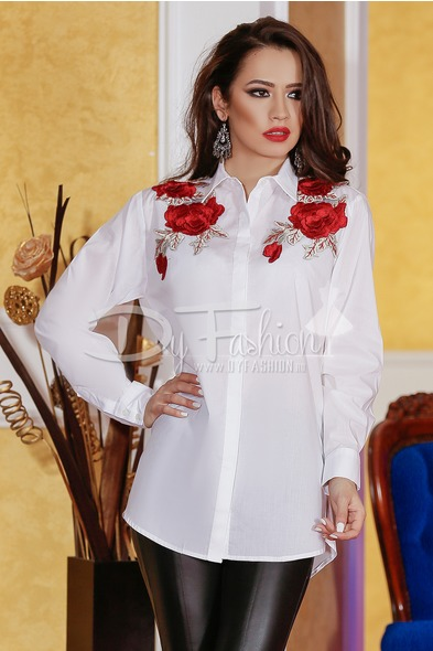 camasa alba cu broderie sub forma de trandafiri aplicata pe umeri