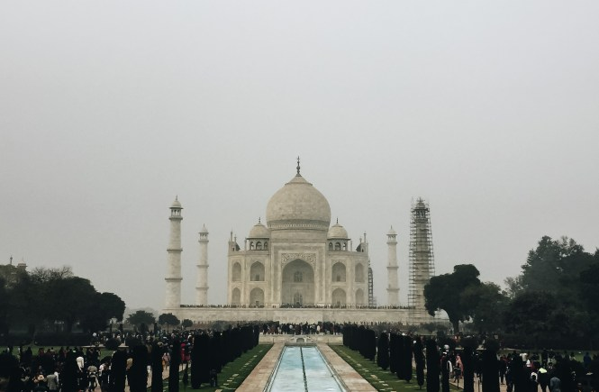 Tips to See the Taj Mahal Lulu Meets World Travel Blog by Lumen Beltran Fashion Beauty Mumbai New Delhi India