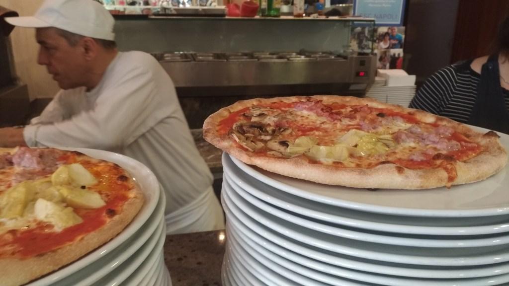 Ristorante Pizzeria Salone del Camper Parma Fiera con Piatti Tipici Forno a Legna Luna Blu