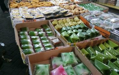 Pasar Kue Subuh Senen Jual Aneka Macam Kue