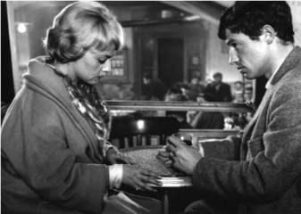 "Jeanne Moreau e Jean-Paul Belmondo nel film ""Moderato Cantabile"" di Peter Brook (1960)"