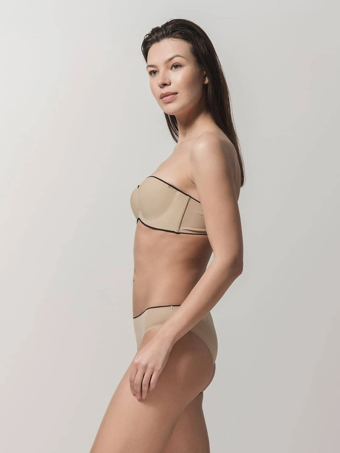 Miracle One 1810 strapless & 2808 brief beige side