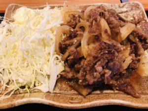 豚牛(とんぎゅう)村上牛焼肉定食 肉アップ