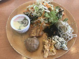 パークサイドキッチン料理サラダ