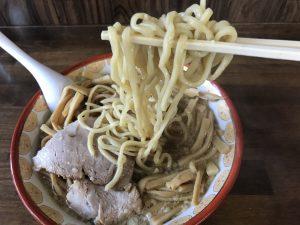 関屋 福来亭 チャーシューメンマラーメン 麺リフト