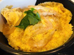 新湊食堂 白エビ卵とじ丼アップ