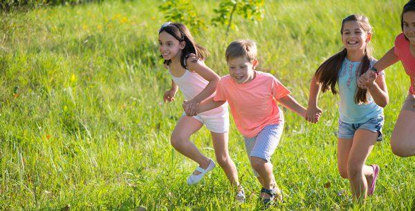 ילדים רצים