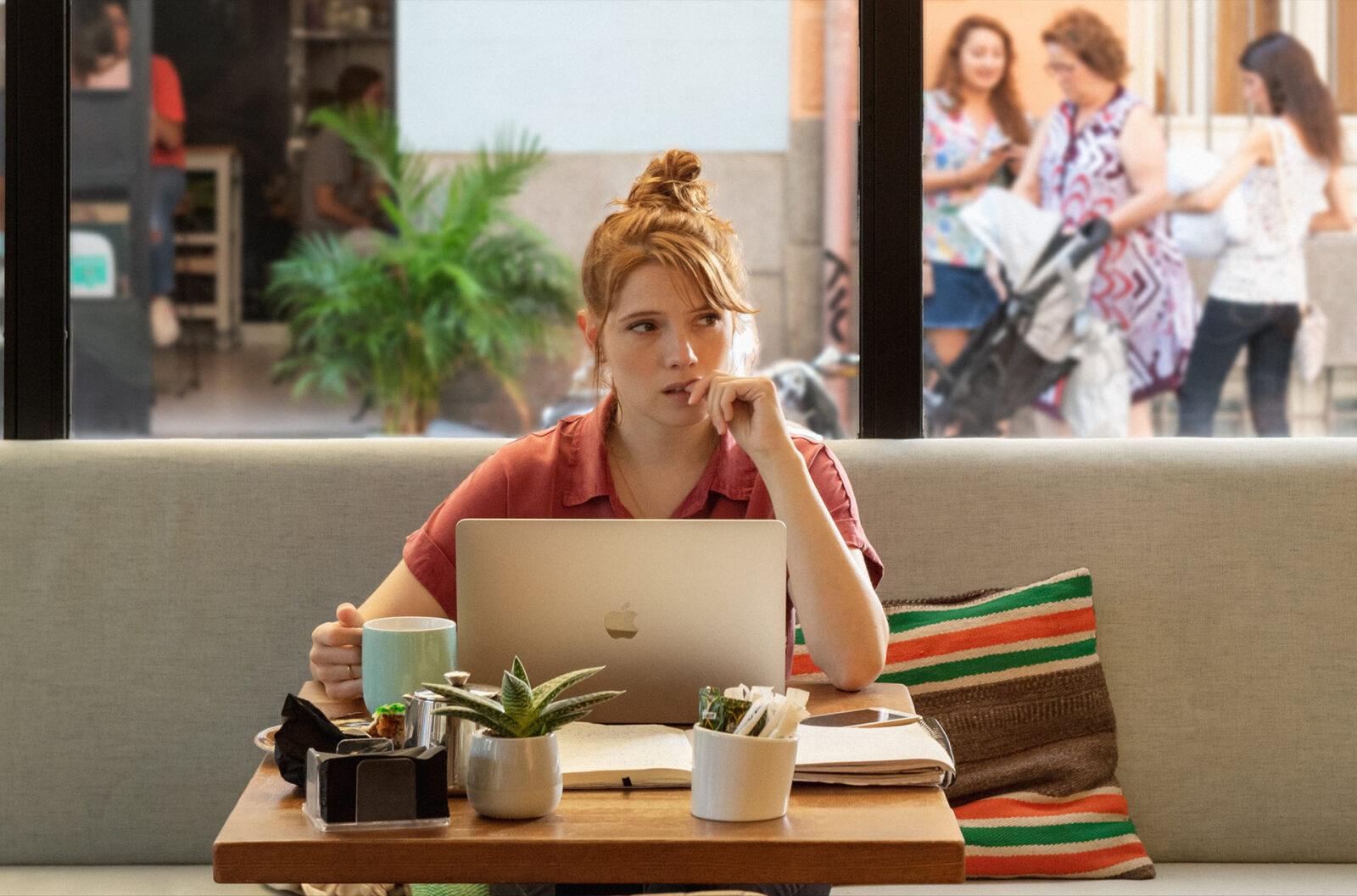 Valeria, la sindrome dell'impostore e il caffè a Madrid