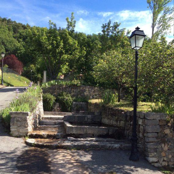 Le vieux lavoir du hameau