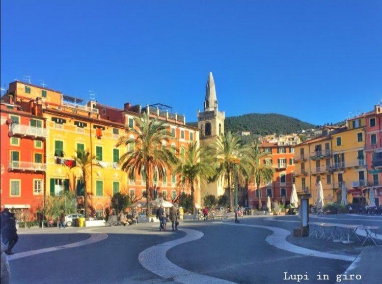 Piazza Garibaldi, a Lerici, Golfo dei Poeti