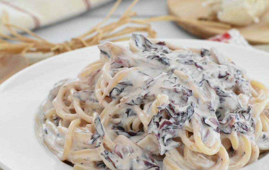 Spaghetti con Radicchio e Gorgonzola