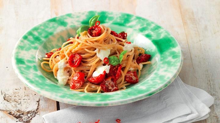 Spaghetti  pomodorini secchi e burrata
