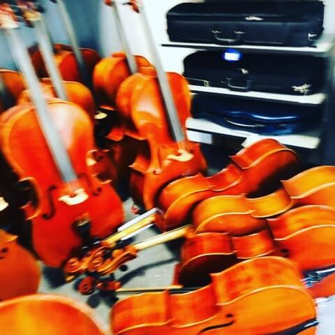 beim Geigenbauer