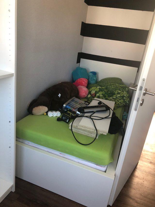 Bett oder Lagerraum - Umräumchaos