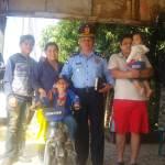 Gustavito recibió una bicicleta por el Día del Niño