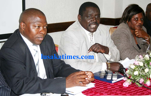 Newman Bubala , Cosmas Mukuka (l) and ZNUT deputy secretary Catherine Chinunda (r) in Lusaka
