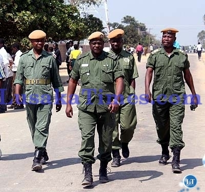 File : Police officers on duty