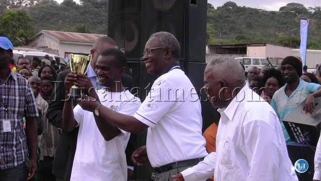 HEALTH Minister Joseph Kasonde (c)