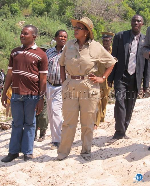 Tourism and Arts Minister Sylvia Masebo (c), Sesheke Member of Parliament Sianga Siyauya (r) and Western Province Minister John Kufuna (l) during the tour of Sioma Ngwezi Falls.