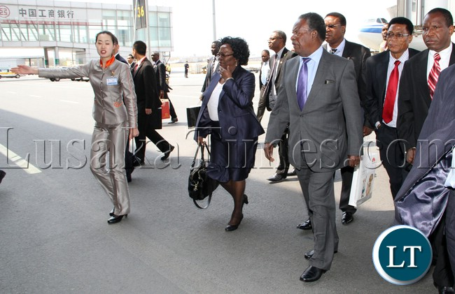 President Micheal Sata arrive at Beijing Capital international airport From Shenzhen , he was driven to Diaoyutai state Guest House - picture by Eddie Mwanaleza/Statehouse 09-04-2013.