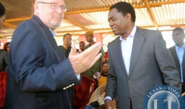 Vice President Guy Scott with Lwiindi Gonde traditional ceremony patron Hakainde Hichilema during the Lwiindi Gonde traditional ceremony in Monze