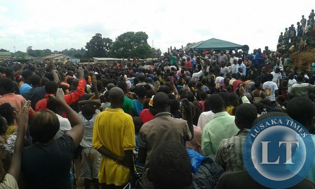 Addressing crowds at an impromptu rally in Chililabombwe