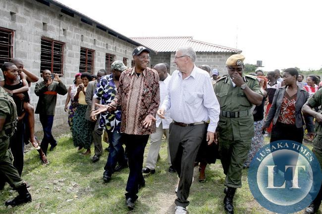 Acting President Dr Guy Scott with Local Government minister Emmanuel Chenda  during the Inspection of the Kabundi East East Maternity  Wing under construction by PF Government in Chingola on January 3,2015 -Picture by THOMAS NSAMA